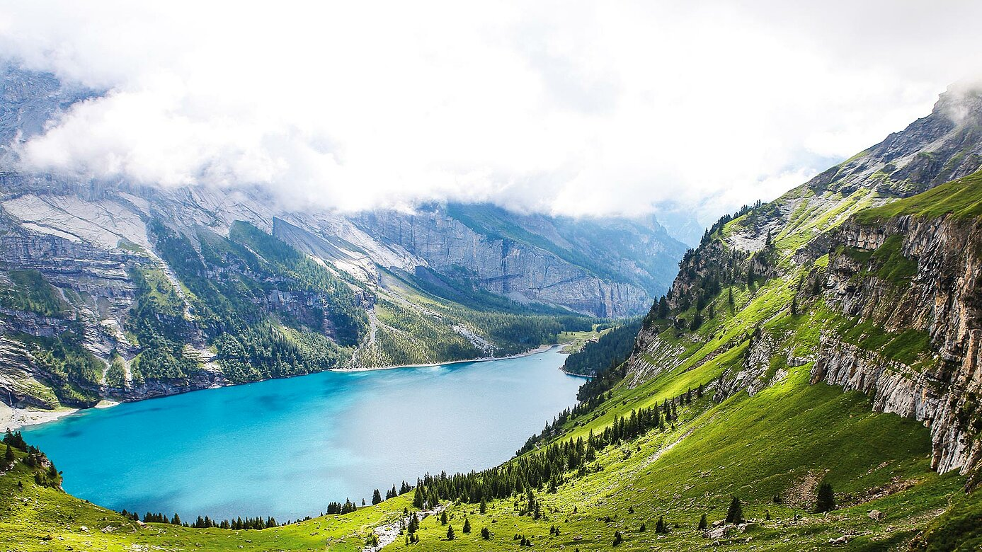 Mountain lake Alps Urimat